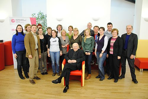 Heinz Zemanek mit dem Team der OCG, 2013